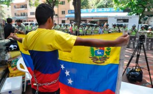 PNB trata de impedir que lleguen más estudiantes a las puertas de la OEA (Fotos y Video)