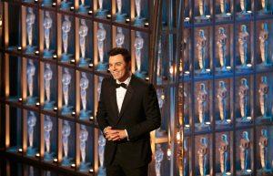 Críticos atacan a los Óscar por su show aburrido y sus chistes incorrectos