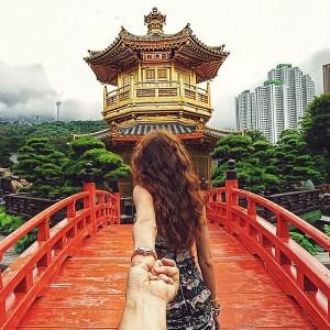 ¡Genial! Fotógrafo sigue a su novia por el mundo (Fotos)