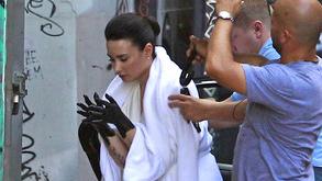 Demi Lovato se cubre de lodo para su nuevo video (FOTOS)