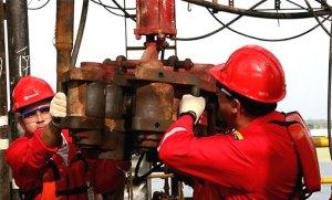 Irán seguirá con su compromiso petrolero con Venezuela