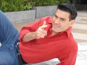 Roberto Messuti se declara chavista (Tuits)