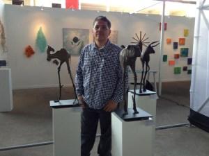 El artista venezolano Francisco Pereira presentó sus bípedos en ART Lima 2013