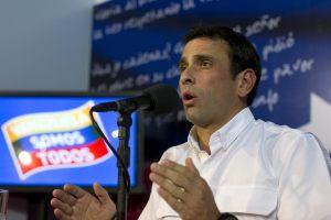 Capriles: El Gobierno crea nuevos Estados Mayores pero con los mismos guisos