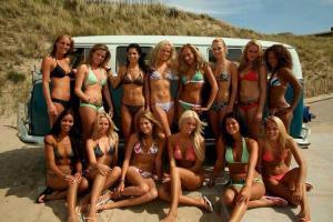¿Habrá algo más sensual que las mujeres surfistas? (FOTOS)