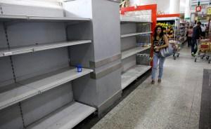 Numerosos comercios siguen sin abrir sus puertas por falta de mercancía