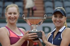 Las rusas Makarova y Vesnina, ganadoras del doble femenino en Roland Garros
