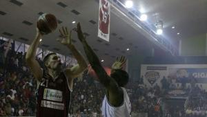 Gigantes de Guayana le ganó el duelo a Cocodrilos de Caracas