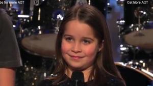 Rockerita de 6 años sorprende a todos en prueba de talento (Video)