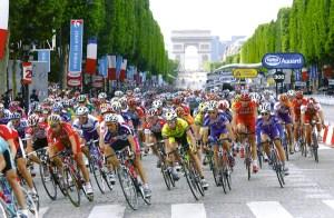 Tras la caída de Armstrong, el Tour intenta recuperarse