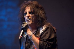 Alice Cooper: Resulta ofensivo decir que Mumford & Sons es rock 'n' roll