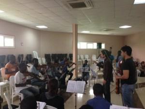 Cinco músicos de El Sistema imparten clases en Angola