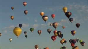 Los globos aerostáticos el cielo francés