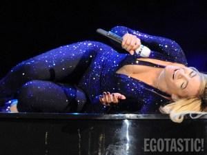 """""""Casi picón"""" de Beyoncé en concierto (CUERPAZO)"""