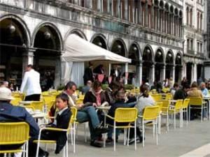Turistas se quedan pasmados con la cuenta en un café de Venecia