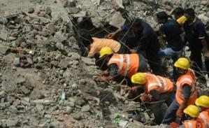 Elevan a 43 el número de muertos en el derrumbe de un inmueble en Bombay