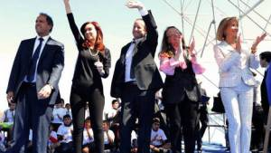 """""""Ay, Cristina, con esas calzas, ¡estás divina!"""" La nueva cumbia para CK (Video)"""