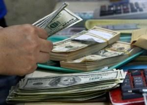 Hoy cierra la recepción de órdenes de compra de dólares Sicad