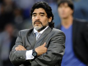 """Farc envía """"SOS"""" a Maradona para que juegue en partido por la paz en La Habana"""