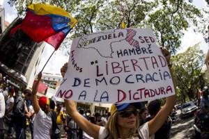 AN debatió sobre la movilización del pueblo para la recuperación de la democracia