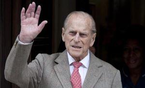 El duque de Edimburgo es operado en una mano