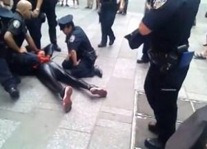 Detienen a un Spider-man en Times Square (Video)