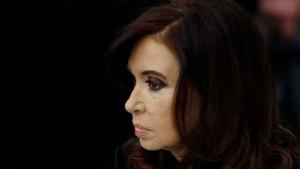 Kirchner recibe a Macri para iniciar transición en Argentina