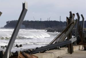 Japón considera seguro verter al mar agua acumulada en la planta de Fukushima
