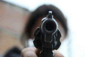 Adolescente mata a otro jugando con una pistola en el sureste de Florida