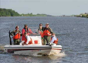 No hay rastro de la embarcación de los chicos desaparecidos en la costa de Florida