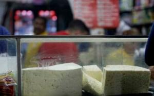 Precio del queso blanco sigue en aumento