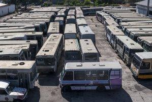 """Maduro mandó a """"parir las piezas"""" para recuperar las unidades de transporte accidentadas"""