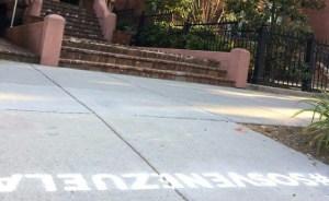 Colocan #SOSVenezuela frente a embajadas en Washington de países complacientes con Maduro (fotos)