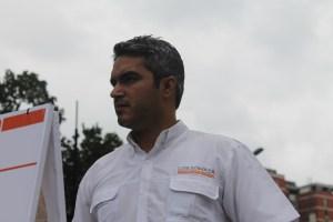 Concejal Luis Somaza desde residencia de Roberto Marrero: Maduro es un violador de DDHH (Videos)