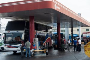 Venezuela solo produce el 40% de gasoil que necesita
