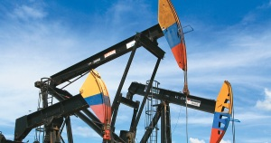 Seis empresas realizan ofertas para contratos de exploración petrolera en Colombia