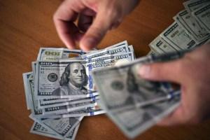 Tres detenidos por estafar con dólares falsos en Catia la Mar