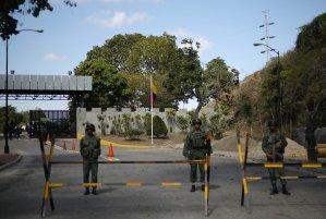 ABC: Militares no despliegan la artillería pesada en Venezuela como lo ordenó Maduro