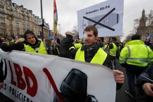 Macron responderá por crisis de chalecos amarillos tras incendio de Notre Dame