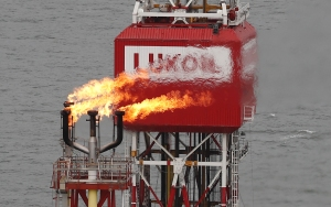 Gigante rusa Lukoil detuvo operaciones de intercambio petrolero con la Pdvsa de Maduro