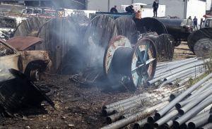 En Imágenes: Fuerte incendio arrasa la sede de Cantv en San Cristóbal este #15Feb