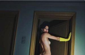 Guantes de goma y tacones…Kendall Jenner se desnuda por completo para Vogue (FOTO)