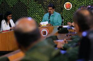 ¡Zzz...! Sabemos que no escuchaste a Maduro hoy, pero mira cuán pocos lo vieron por Periscope (FOTO)