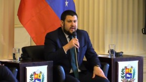 Smolansky pide a Curazao y Aruba que regularicen a los migrantes y refugiados venezolanos