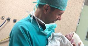 El técnico argentino Diego Simeone presentó a su quinto hijo (Foto)