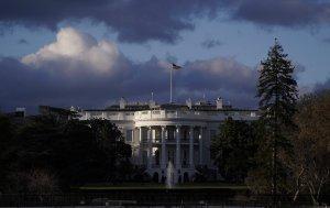 EEUU no renovará exenciones a importaciones de crudo de Irán