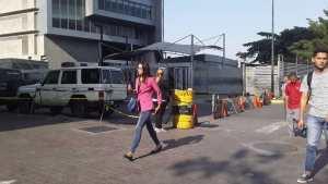Cerrados los accesos del Sebin en Plaza Venezuela (video)