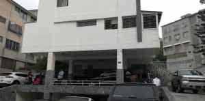 Vecino de Roberto Marrero denuncia que el Sebin causó destrozos en apartamentos (VIDEO) #21Mar