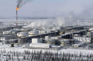 Rusia está dispuesta a bajar producción de crudo
