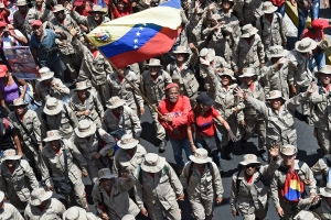 Maduro juramentó a civiles armados y afirmó que su milicia alcanzó los tres millones